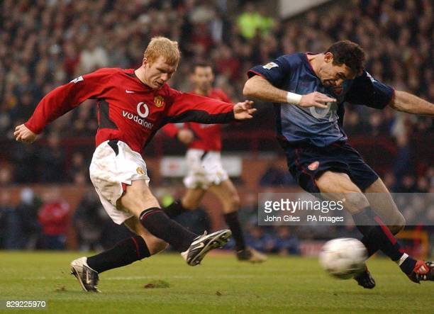 Paul Scholes of Manchester United blasts the ball past Martin Keown of Arsenal to score the second goal for Manchester United, during the Barclaycard...