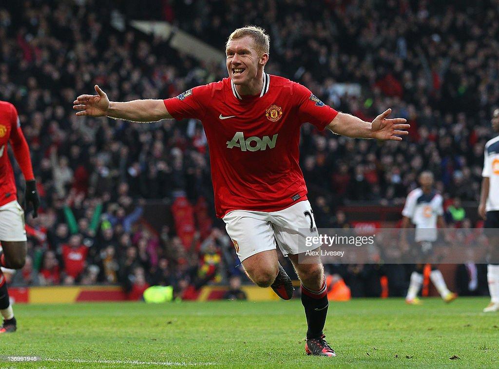 Manchester United v Bolton Wanderers - Premier League