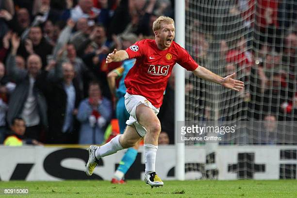 Paul Scholes of Manchester United celebrates scoring the opening goal during the UEFA Champions League Semi Final, second leg match between...