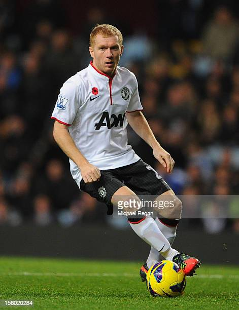 Paul Scholes of Manchester United in action during the Barclays Premier league match between Aston Villa and Manchester United at Villa Park on...