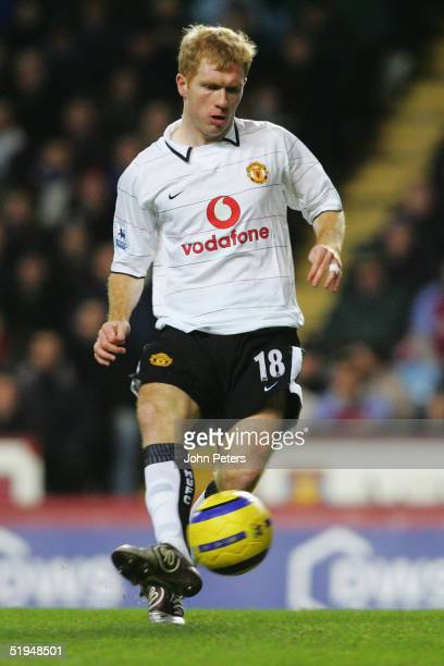 Paul Scholes of Manchester United in action during the Barclays Premiership match between Aston Villa and Manchester United at Villa Park on December...