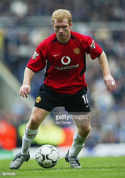 Paul Scholes of Manchester United in action during the FA Barclaycard Premiership match between Birmingham City and Manchester United on April 10...