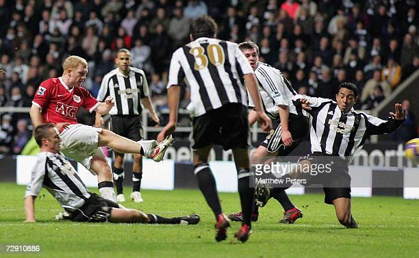 Paul Scholes of Manchester United scores the second goal during the Barclays Premiership match between Newcastle United and Manchester United at St...
