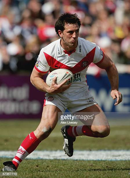 Paul Sculthorpe of St Helens in action during the Engage Super League match between St Helens and Wigan Warriors at Knowsley Road on April 14 2006 in...