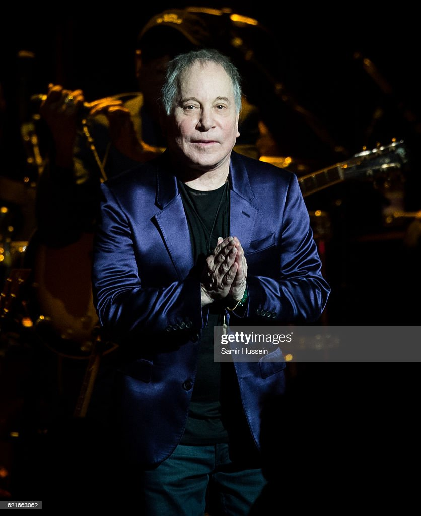 Paul Simon performs at Royal Albert Hall on November 7, 2016 in London, England.