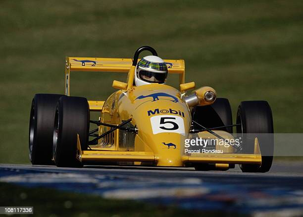Paul Stewart drives the Camel Paul Stewart Racing Ralt Honda RT34 during the British Formula 3 Championship race on 29th April 1990 at the Brands...