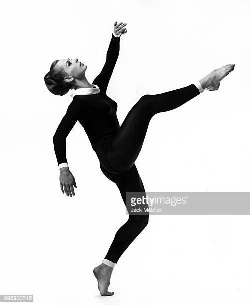 Paul Taylor Company dancer Bettie de Jong December 1963