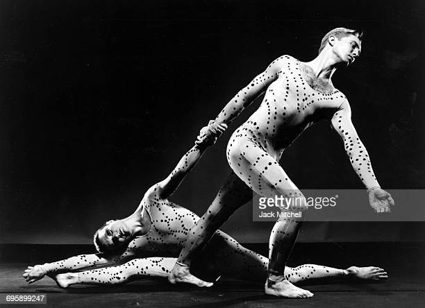 Paul Taylor dancers Sandra Stone and Patrick Corbin in Profiles 1990
