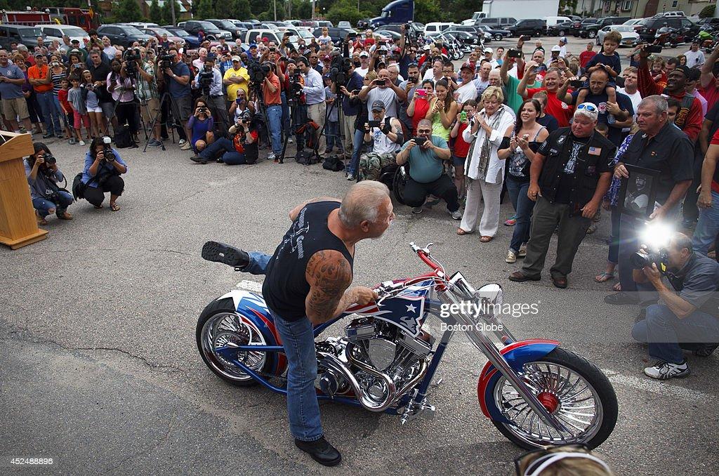 O C Choppers Dedicatel Motorcycle To Fallen Boston Firefighters