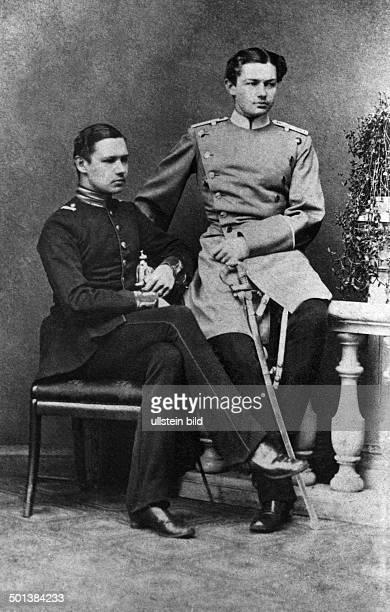 Paul von Hindenburg German field marshal and statesman 2nd President of Gemany 1925-34 Lieutenant Paul von Hindenburg with his brother Otto - around...