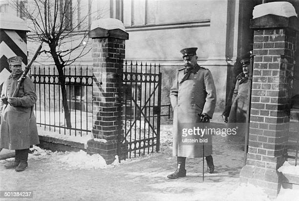 Paul von Hindenburg German field marshal and statesman 2nd President of Gemany 192534 World War I Field Marshal Hindenburg leaving the German...