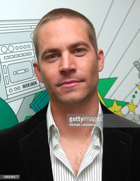 Paul Walker during Maria Sharapova and Paul Walker Visit MTV's 'TRL' February 14 2006 at MTV Studios Times Square in New York City New York United...
