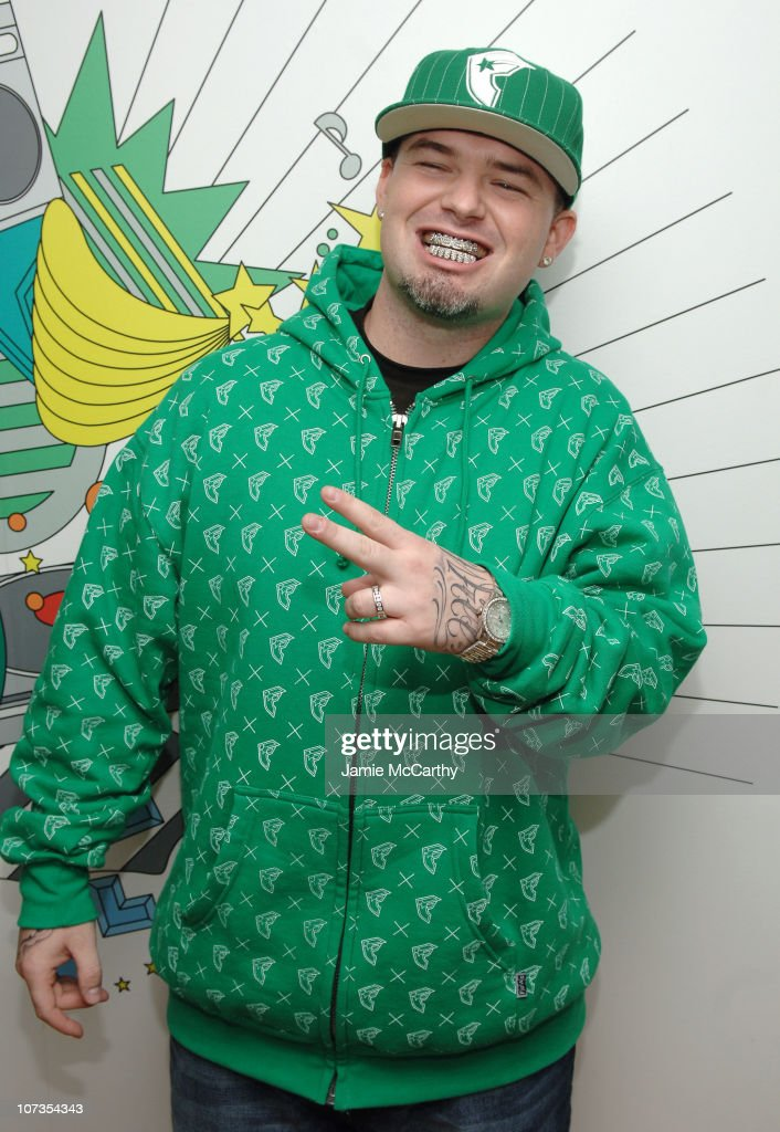 Paul Wall during My Chemical Romance, Brooke Hogan and Paul Wall Visit MTV's 'TRL' - October 24, 2006 at MTV Studios - Times Square in New York City, New York, United States.