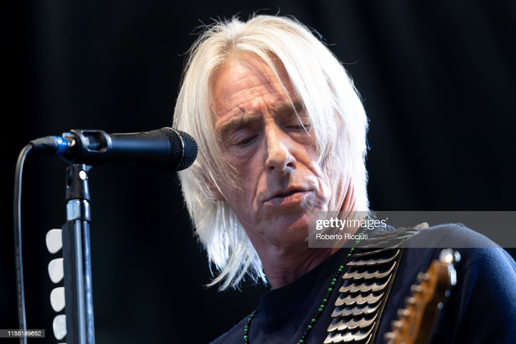 Paul Weller Performs At Edinburgh Castle : News Photo