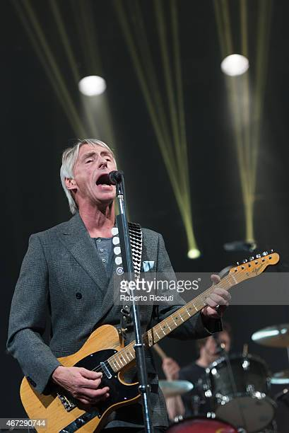 Paul Weller performs on stage at Edinburgh Playhouse on March 22, 2015 in Edinburgh, United Kingdom.