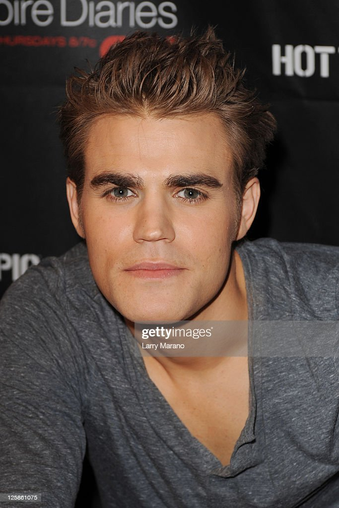 Vampire diaries season 2 cast tour photos and images getty images paul wesley attends a meet and greet for fans at vampire diaries season 2 cast tour m4hsunfo