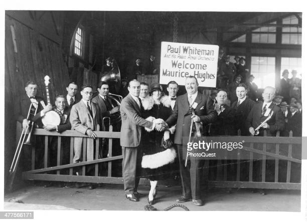 Paul Whiteman and his Palais Royal Orchestra welcome guest musician Maurice Hughes 1920