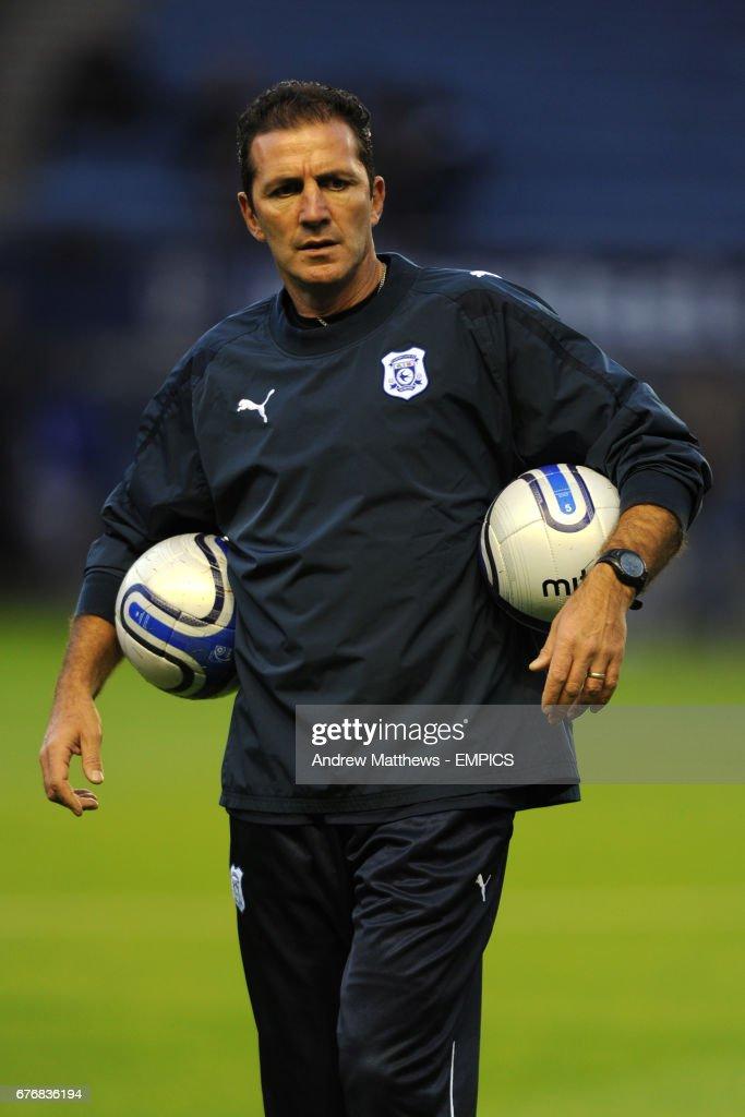 Soccer - npower Football League Championship - Leicester City v Cardiff City - Walkers Stadium : Fotografia de notícias