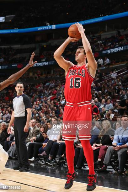 Paul Zipser of the Chicago Bulls shoots the ball against the Phoenix Suns on November 28 2017 at the United Center in Chicago Illinois NOTE TO USER...