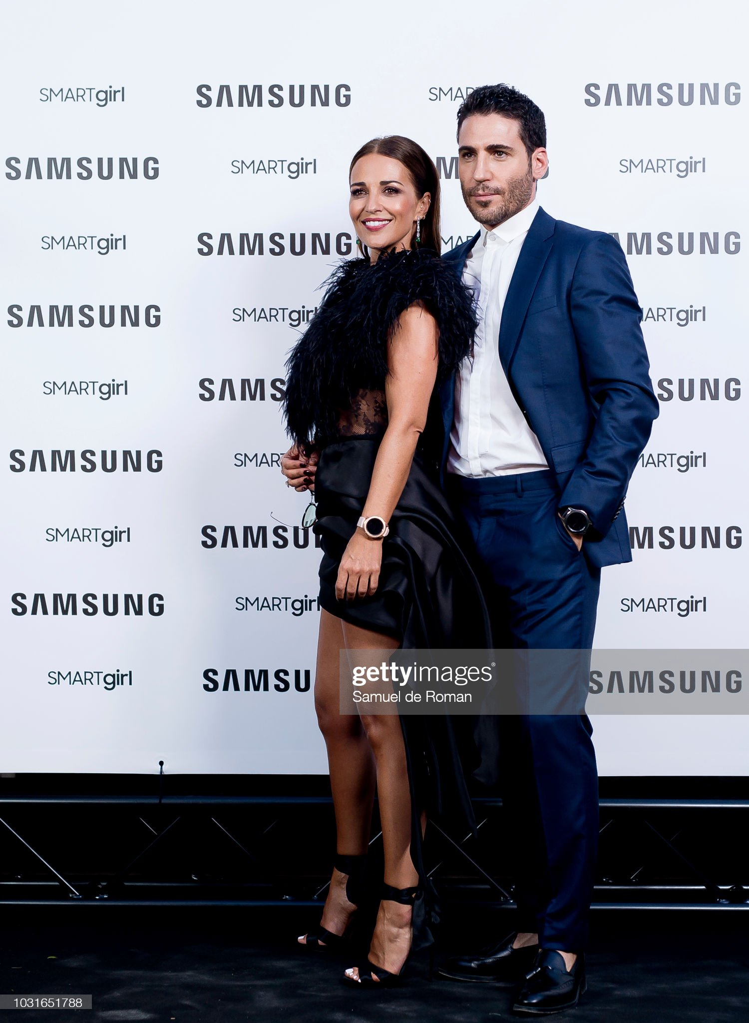 ¿Cuánto mide Miguel Ángel Silvestre? - Altura - Real height Paula-echevarria-and-miguel-angel-silvestre-present-new-samsung-on-picture-id1031651788?s=2048x2048