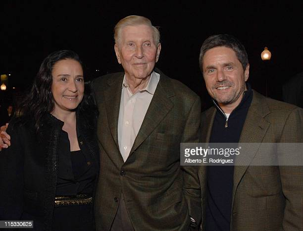 Paula Fortunato Sumner Redstone and Brad Grey during Zodiac Los Angeles Premiere Arrivals at Paramount Studios in Hollywood California United States