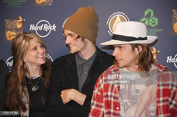 Paula Nelson Micah Nelson and Lukas Nelson attend the Hard Rock International's Wille Nelson Artist Spotlight Benefit Concert at Hard Rock Cafe Times...