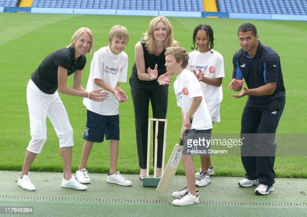 Paula Radcliffe Gabby Logan Jason Robinson and School Kids