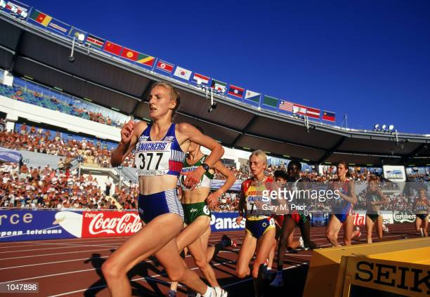 Paula Radcliffe of Great Britain in action during the 5000m Final of the IAAF World Championships in the Ullevi Stadium, Gothenburg, Sweden on August...