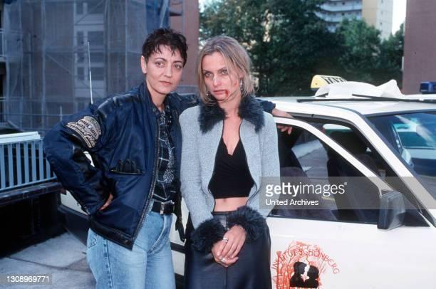 Paula Wagner ist Zeugin eines Verbrechens. Auf den Taxifahrer Gospic, mit dem sie eine Disco besuchte, ist geschossen worden. Die beiden...