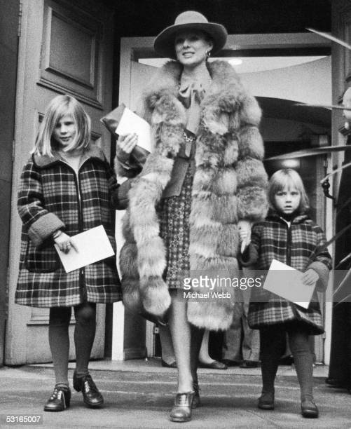 Paulene Stone the widow of late actor Laurence Harvey arrives at his memorial service at St Paul's in Covent Garden with her daughters Sophie and...