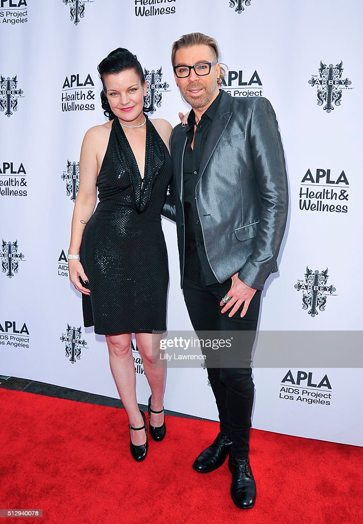 Pauley Perrette and Chaz Dean attend The Abbey Food And Bar's 15th Annual 'The Envelope Please' Oscar viewing party at The Abbey on February 28, 2016 in West Hollywood, California.