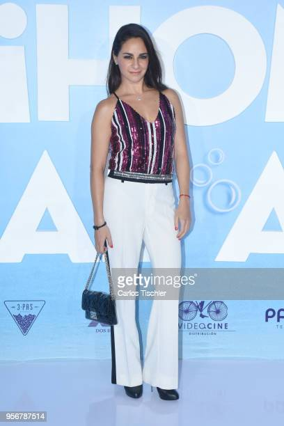 Paulina Madrazo poses for pictures during the 'Overboard ' Mexico City premiere at Cinemex Antara on May 8 2018 in Mexico City Mexico