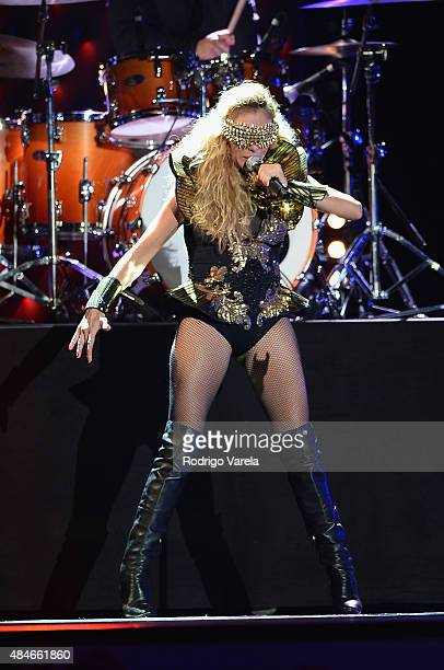 Paulina Rubio performs onstage at Telemundo's 'Premios Tu Mundo' Awards 2015 at American Airlines Arena on August 20 2015 in Miami Florida