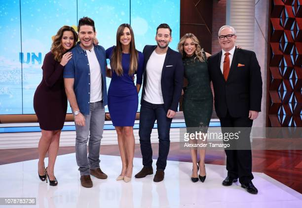 Paulina Sodi Chef James Erika Csizer Francisco Caceres Janice Bencosme and Mario Vannucci are seen on the set of Un Nuevo Dia at Telemundo Center on...