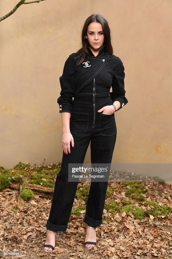 Chanel : Photocall - Paris Fashion Week Womenswear Fall/Winter 2018/2019