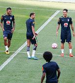 sao paulo brazil lr paulinho neymar