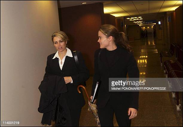 PaulLoup Sulitzer in Montreal for the trial against the Jacobson family In Montreal Canada On May 11 2004Delphine with her lawyer in the Montreal...