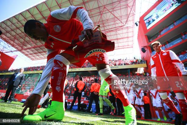 Paulo Da Silva of Toluca walks out to the pitch prior the 6th round match between Toluca and Veracruz as part of the Torneo Clausura 2017 Liga MX at...
