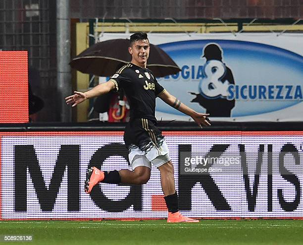 Paulo Dybala Cuadrado of Juventus celebrates after scoring the goal 02 during the Serie A match between Frosinone Calcio and Juventus FC at Stadio...