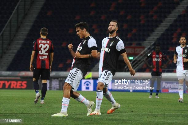 Paulo Dybala of Juventus celebrates after scoring his team's second goal during the Serie A match between Bologna FC and Juventus at Stadio Renato...