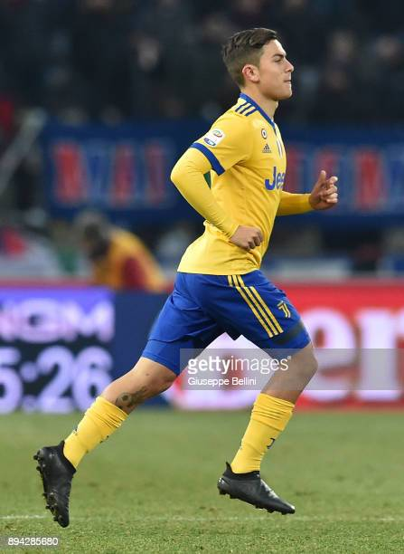 Paulo Dybala of Juventus FC in action during the Serie A match between Bologna FC and Juventus FC at Stadio Renato Dall'Ara on December 17 2017 in...
