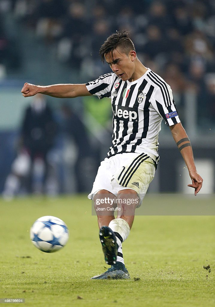 Paulo Dybala of Juventus in action during the UEFA Champions League match between Juventus Turin and Manchester City FC at Juventus Stadium on November 25, 2015 in Turin, Italy.