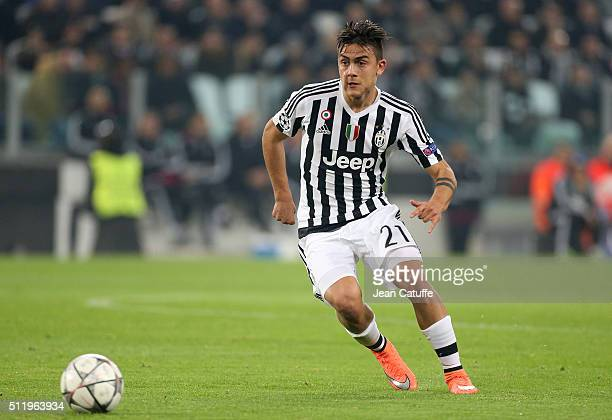 Paulo Dybala of Juventus in action during the UEFA Champions League Round of 16 first leg match between Juventus Turin and Bayern Muenchen at...