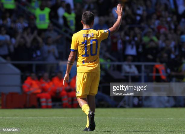 Paulo Dybala of Juventus salute the crowd during the Serie A match between US Sassuolo and Juventus at Mapei Stadium Citta' del Tricolore on...