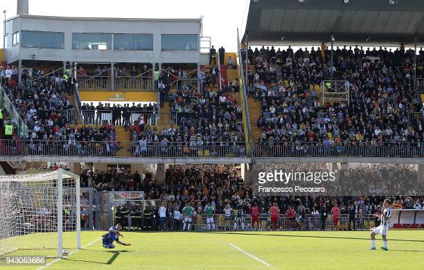 Paulo Dybala of Juventus scores the 23 goal during the serie A match between Benevento Calcio and Juventus at Stadio Ciro Vigorito on April 7 2018 in...