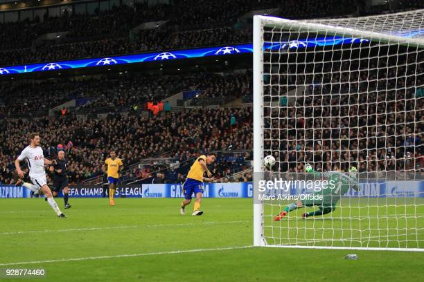 Paulo Dybala of Juventus scores their 2nd goal during the UEFA Champions League Round of 16 Second Leg match between Tottenham Hotspur and Juventus...