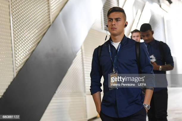 Paulo Dybala of Juventus walks to the dressing room prior to the UEFA Champions League Semi Final second leg match between Juventus and AS Monaco at...
