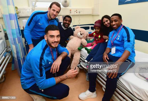 Paulo Gazzaniga Harry Kane Maya Vio and Kyle WalkerPeters meet a young patient during a Tottenham Hotspur player visit at Whipps Cross Hospital on...