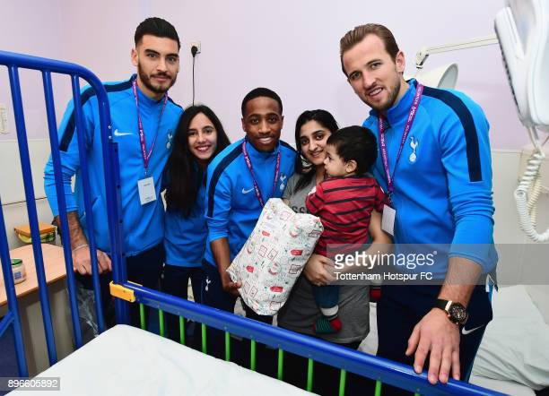 Paulo Gazzaniga Maya Vio Kyle WalkerPeters and Harry Kane meet a young patient during a Tottenham Hotspur player visit at Whipps Cross Hospital on...