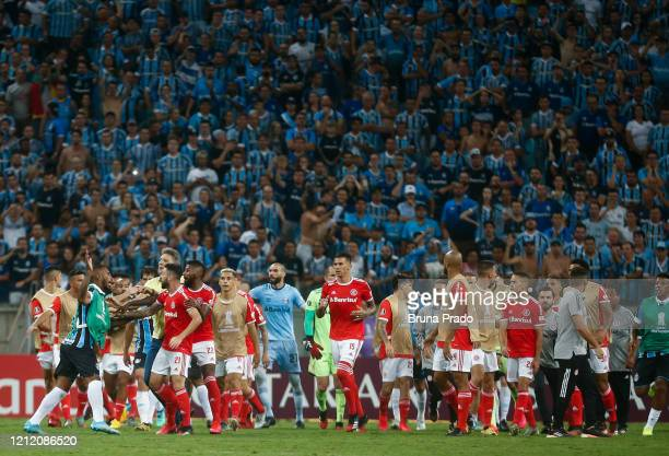 Paulo Miranda of Gremio argues with players of Internacional during the match for the Copa CONMEBOL Libertadores 2020 at Arena do Gremio on March 12...